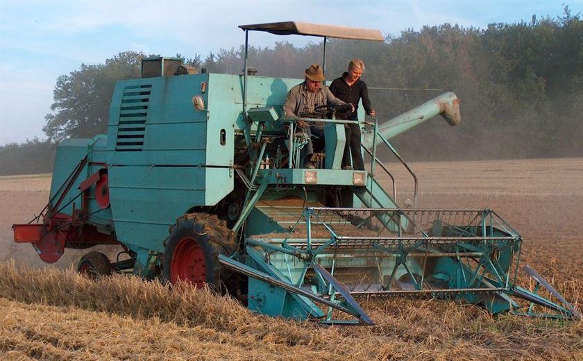تطوير ماكينات تنظيف وغربلة الحبوب