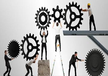 القيادة الاستراتيجية وبناء فرق العمل