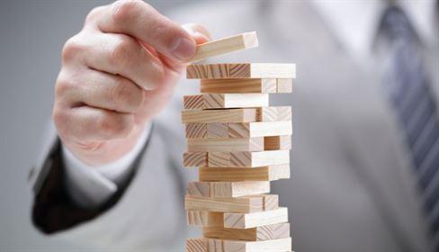 هيكلة وتصميم البنية التقنية في المؤسسات