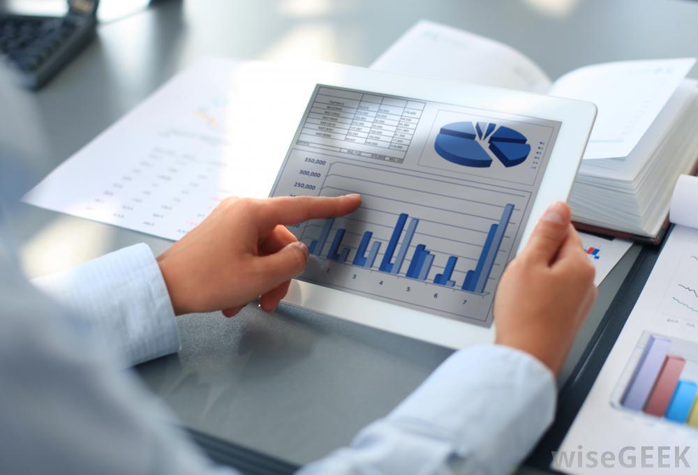 اعداد ميزانبة المشاريع والتحكم فى تكاليفها وادارة مخاطرها