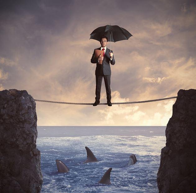 الجوانب الفنية للتأمين البحري والإعتمادات المستندية